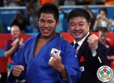Jae-Bum Kim (KOR),  JUDO FOR ALL (IJF), Hoon-Yong Chung (KOR) - Olympic Games London (2012, GBR) - © IJF Media Team, International Judo Federation