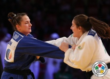 Guusje Steenhuis (NED), Abigel Joo (HUN) - Grand Slam Abu Dhabi (2014, UAE) - © IJF Media Team, International Judo Federation