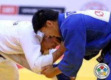 Kuk Hyon Hong (PRK), Riki Nakaya (JPN) - World Championships Chelyabinsk (2014, RUS) - © IJF Media Team, International Judo Federation